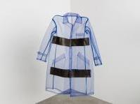Guest: Abiti da lavoro in mostra in Triennale - Curata da Alessandro Guerriero, l'esposizione presenta 40 abiti da lavoro ideati da progettisti di tutto il mondo