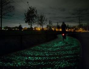 Smart mobility: Led e pietre solari per la pista ciclabile omaggio a Van Gogh